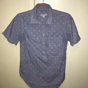 Like new button up shirt